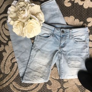 American Eagle Ripped Skinny Light Wash Jeans